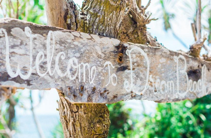 Dream Beach Sign Nusa Lembongan