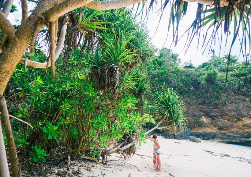 Setting up camp for the day at Secret Beach, Nusa Ceningan Bali