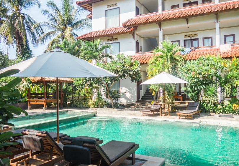 How to experience the incredible south coast of Lombok on a budget - Family House Lombok Hotel
