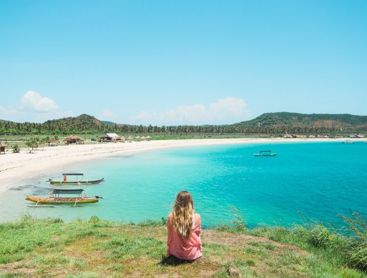 How to experience the incredible south coast of Lombok on a budget - Tanjung Aan Beach