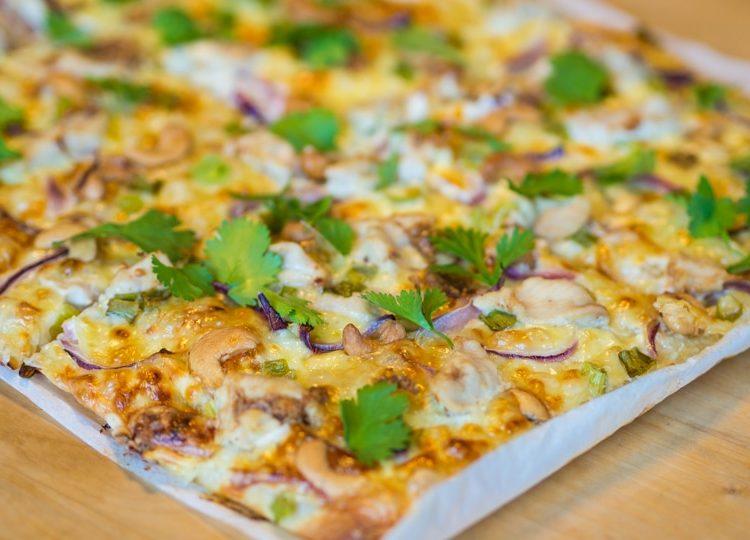 Thai chicken pizza recipe + sour cream dressing