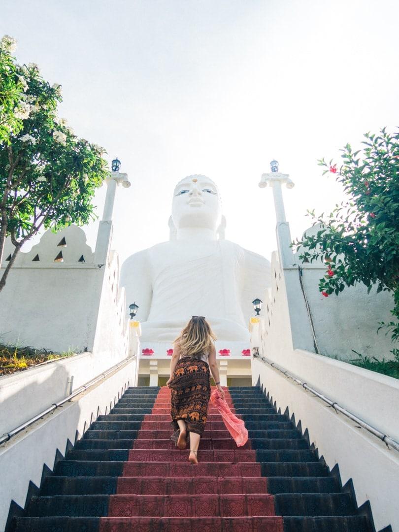 A quick guide to what to do in Kandy - Bahiravokanda Vihara Buddha Statue