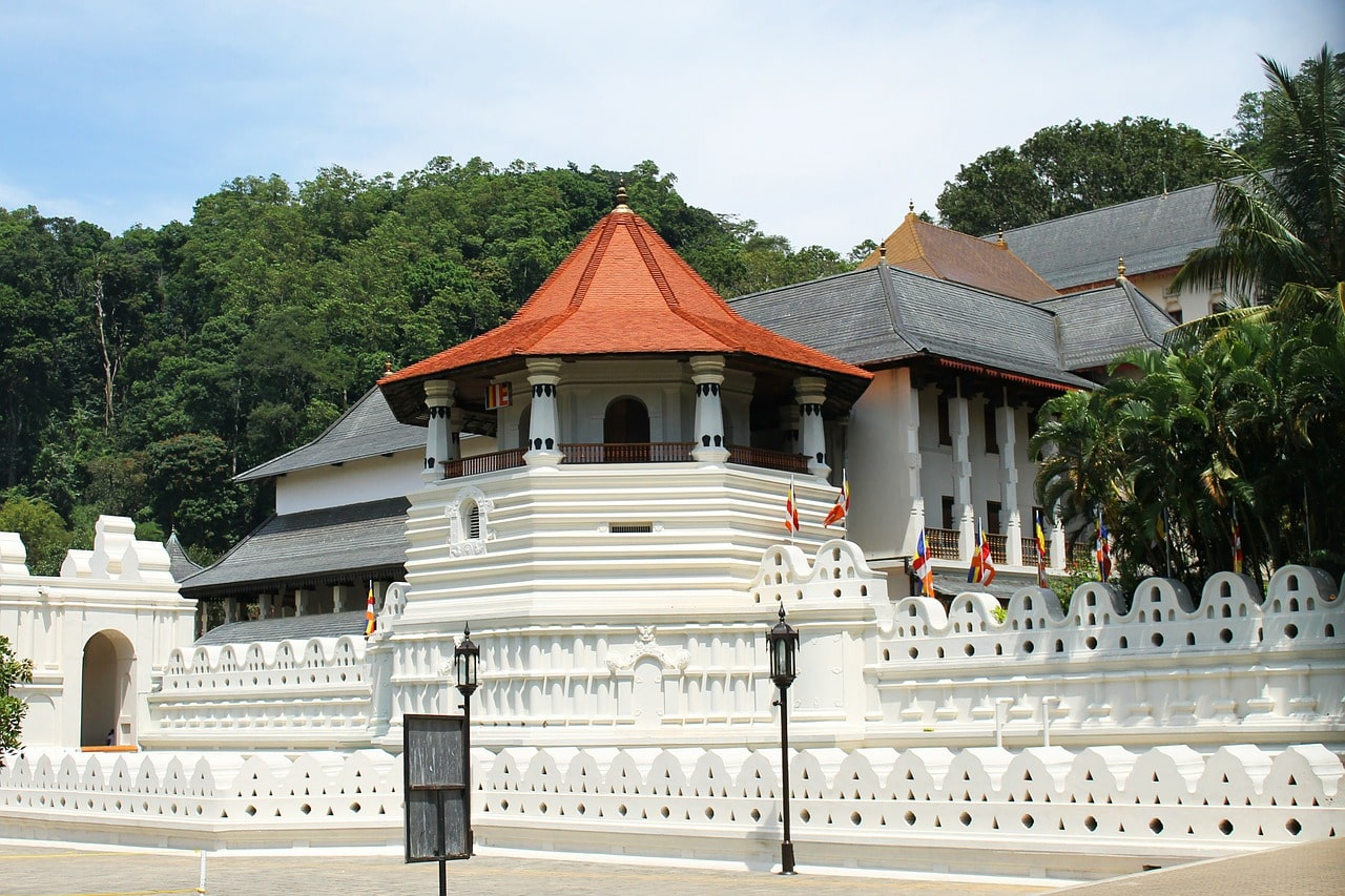 A quick guide to what to do in Kandy - The temple of the sacred tooth relic