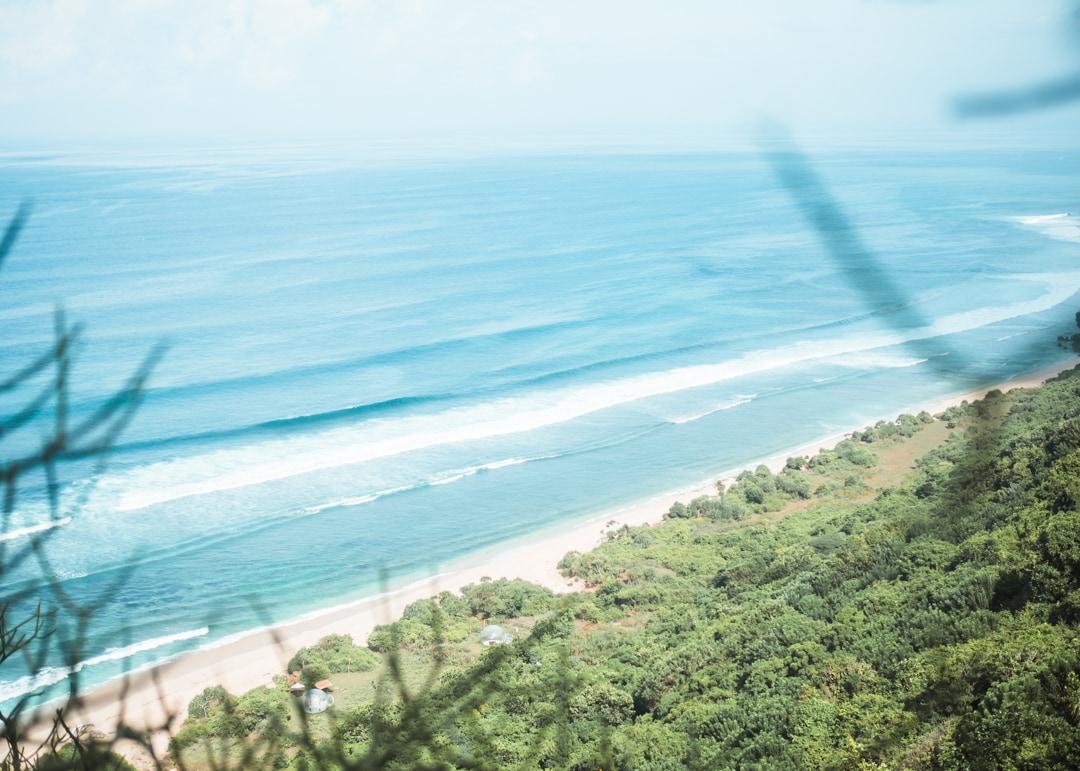 "Bubble Hotel at Nunggalan ""Shipwreck"" Beach - A hidden beach paradise in Uluwatu, Bali"