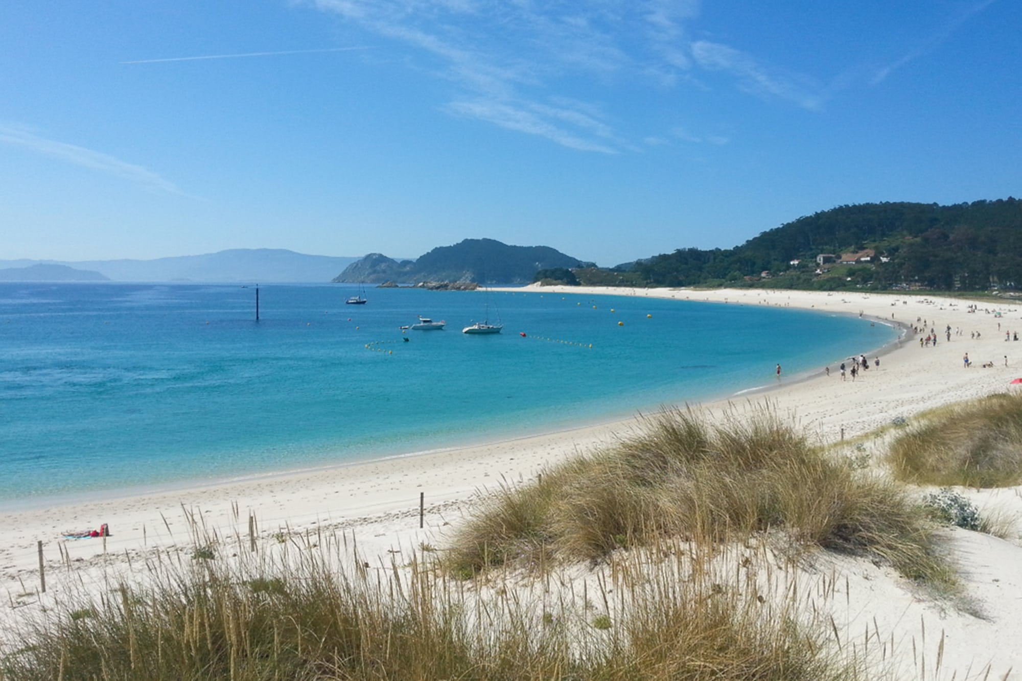 16 female travel bloggers reveal their favorite lesser-known islands - Why you should add Cies Island in northern Spain to you bucket list #cies #spain