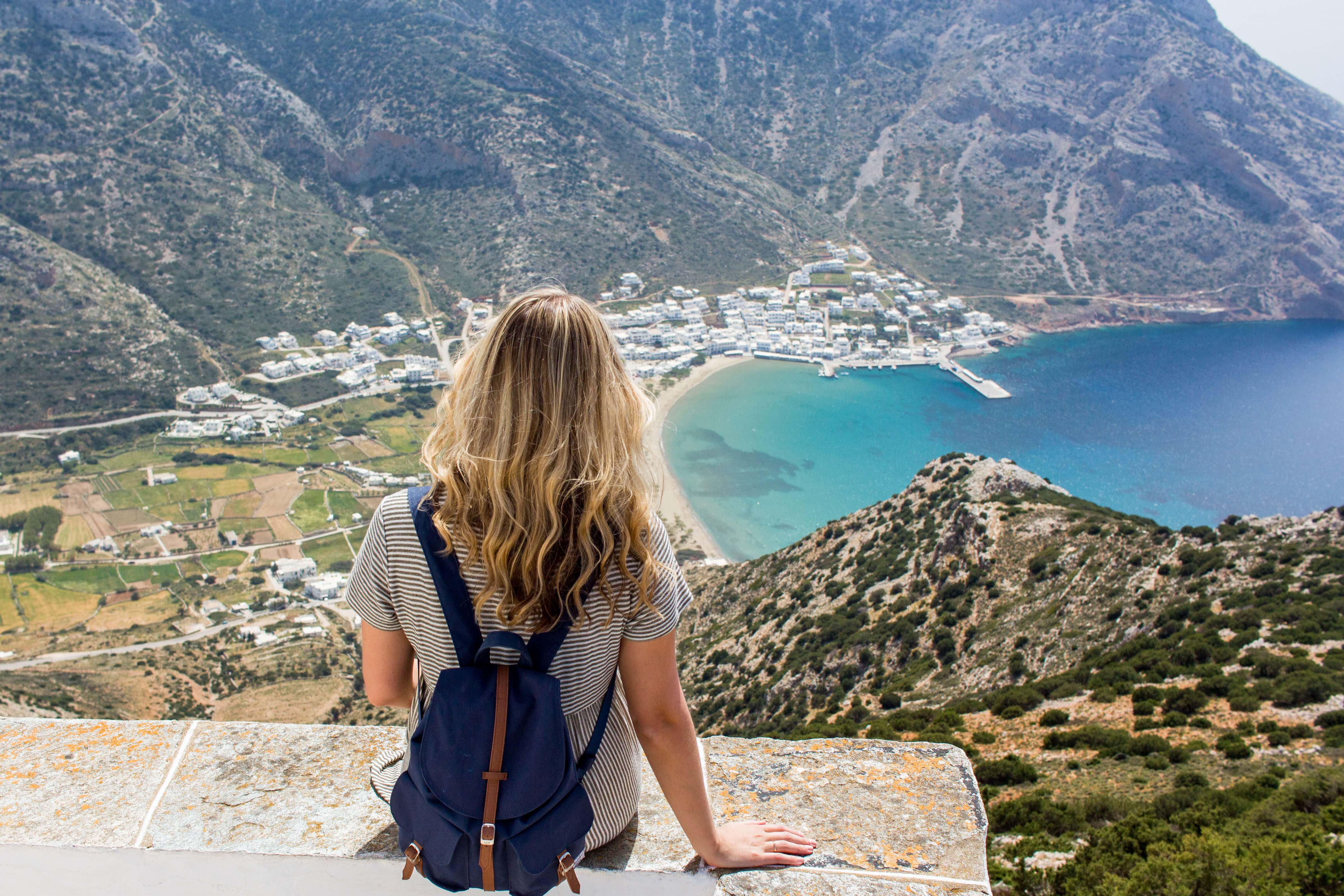 16 female travel bloggers reveal their favorite lesser-known islands - Why you should visit Sifnos in Greece #bucketlist #sifnos #greece