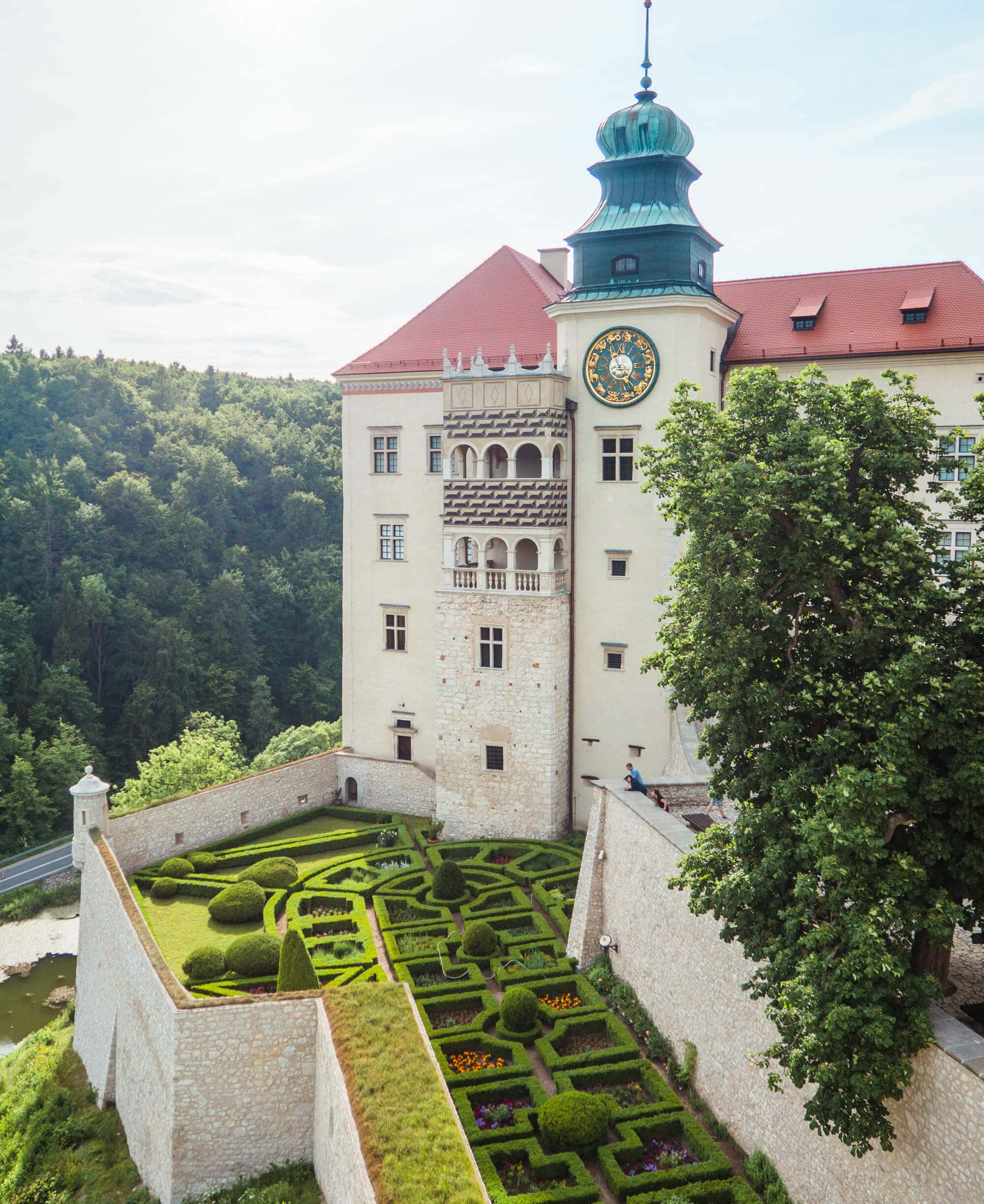 12 of the most beautiful castle in Poland you should add to your bucket list - Pieskowa Skała Castle on the Trail of thee Eagle's Nests