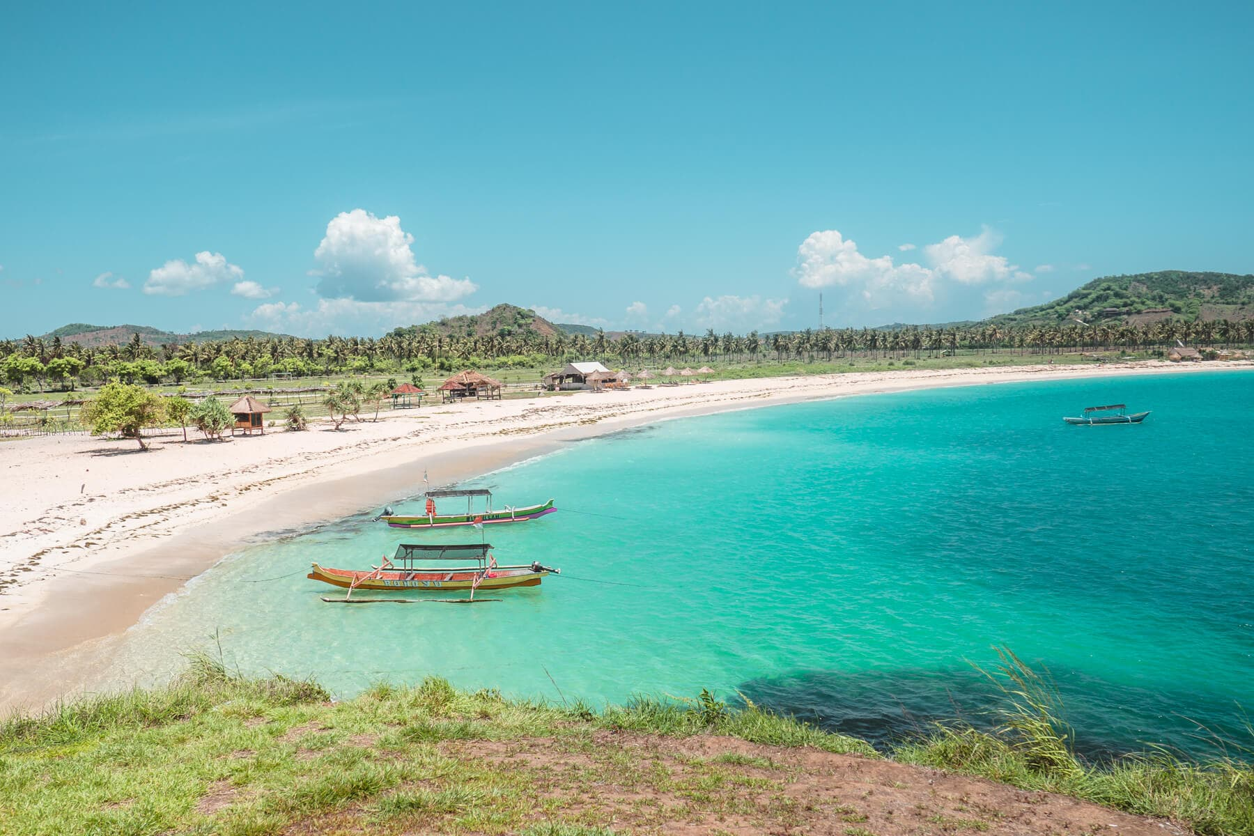 5 of the best views close to Kuta, Lombok - View from Bukit Antara located in the middle og Tanjung Aan Beach