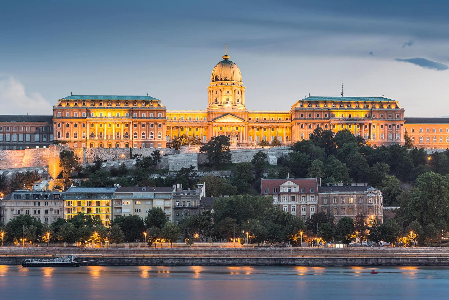 Budapest Instagram photo guide - Buda Castle at sunset