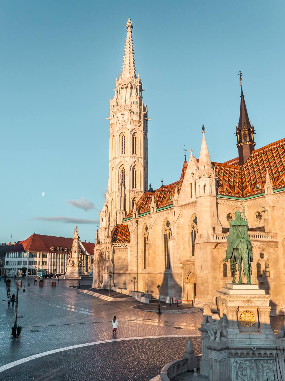 Budapest Instagrammable Places - Sunrise over Matthias Church