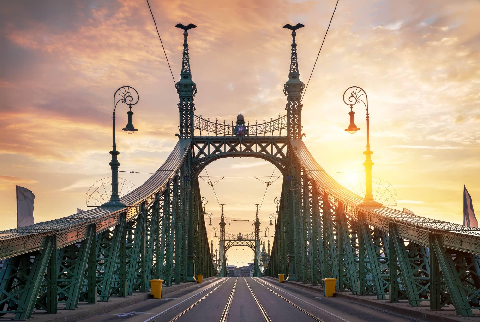 Budapest Instagram photo guide - Liberty Bridge at sunset
