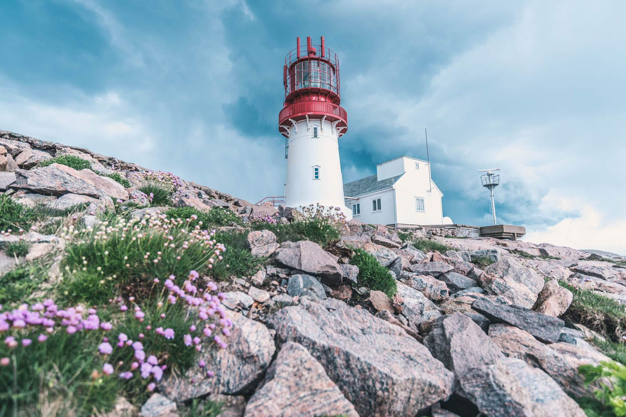 Top things to do in Norway - The picturesque Lindesnes Fyr #bucketlist #travelinspo #lindesnes #norway #Agder