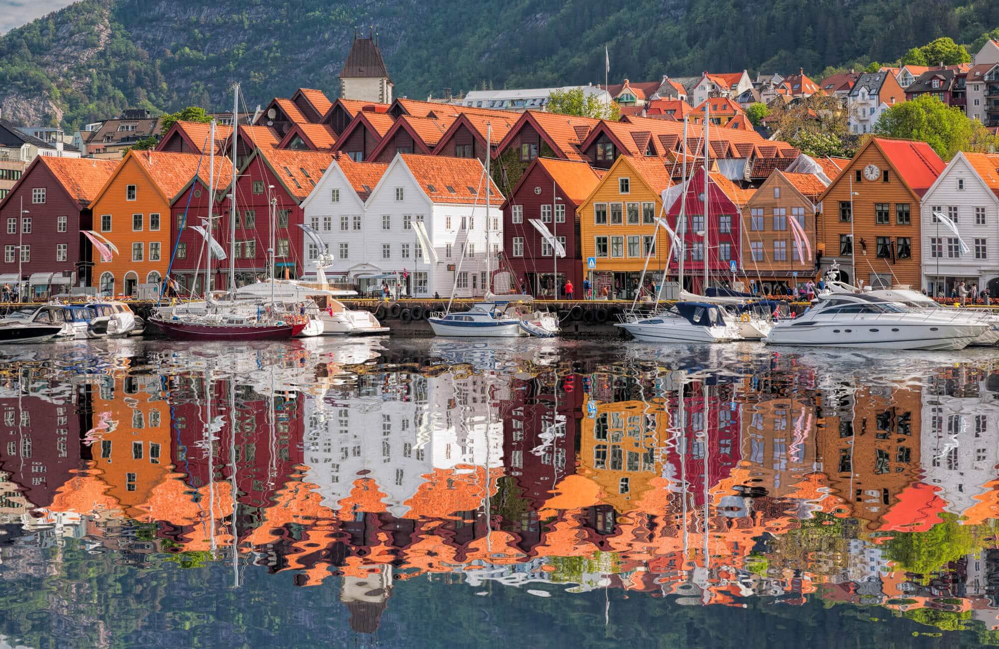 UNESCO World Heritage Listed Bryggen i Bergen (medieval wharfs) #bucketlist #travelinspo #norway #bergen