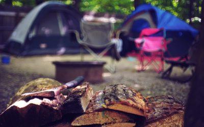 Bare dig og en campingstol – sådan holder du minimalistisk sommerferie