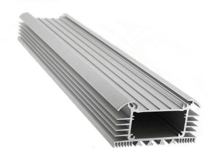 Kühlkörper Aluminiumprofil SVETOCH UNIVERS LED Heatsink für LED Beleuchtung in Industrie Gewerbe und Hallen mit Führungsschienen für LED Streifen und Befestigungen