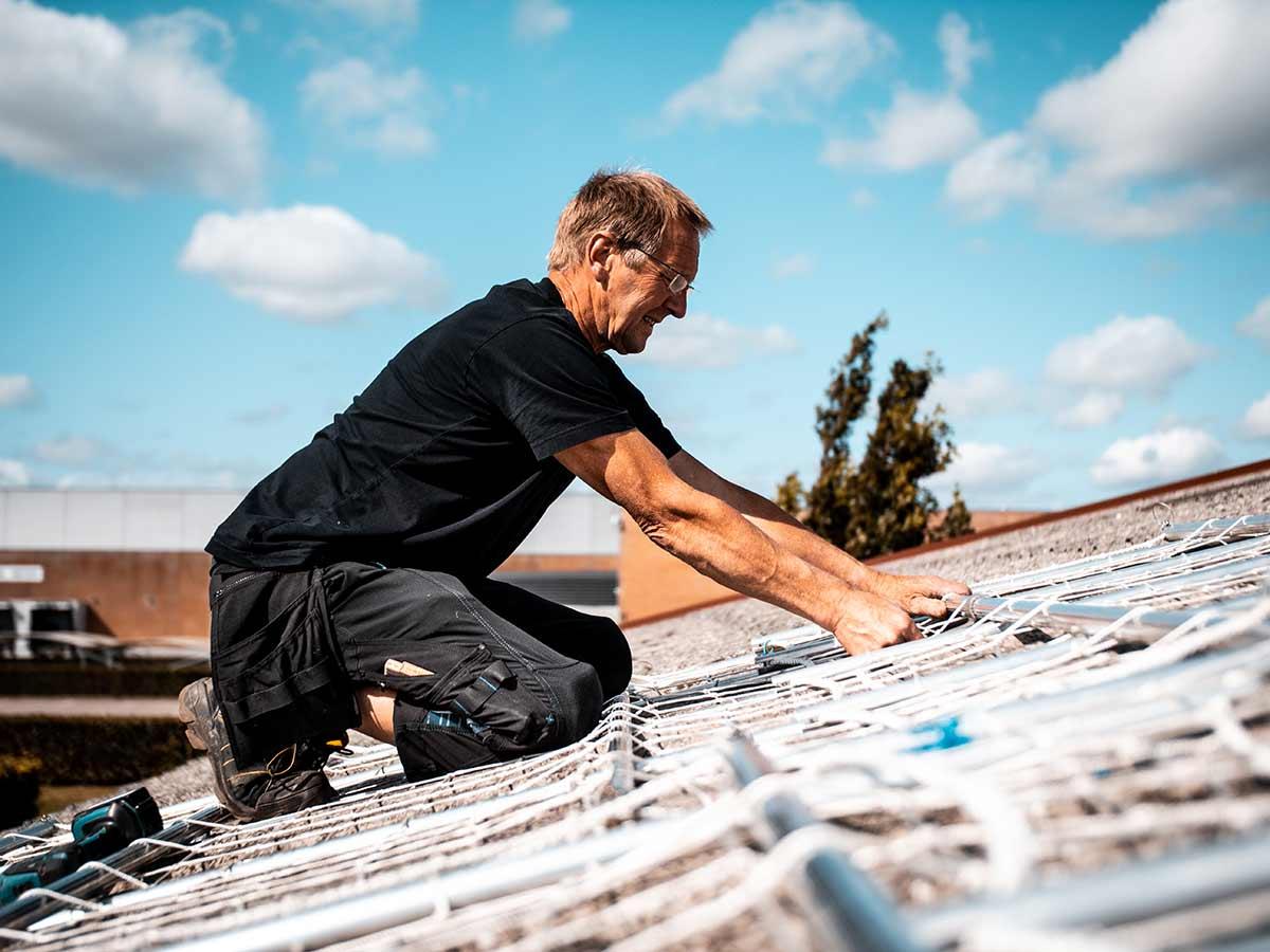nem montering af sikkerhedsnet - undgå ulykker på taget