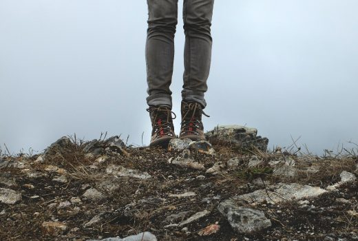 hiking-boots-455754_1920