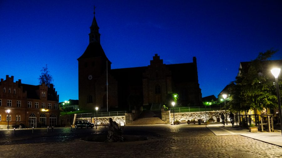 Aftenbillede af Vor Frue Kirke i Svendborg
