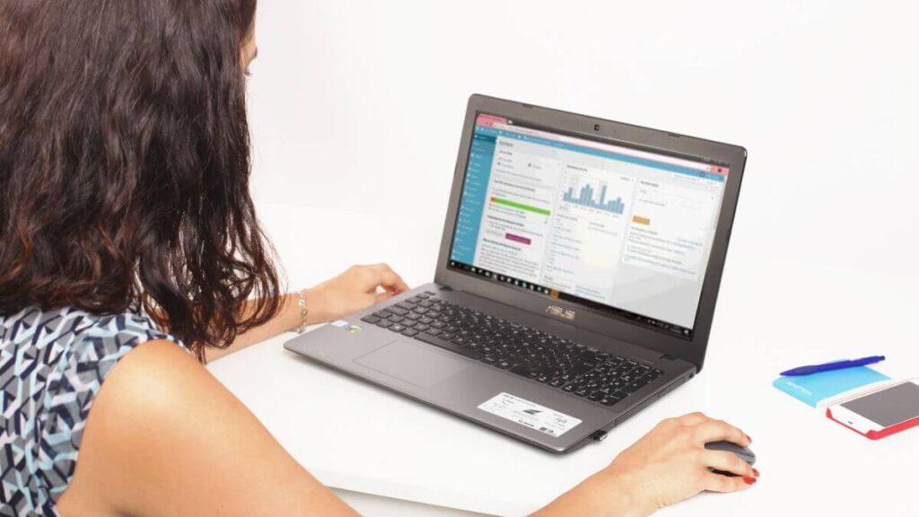 Paso 2) Migrar de WordPress.com a dominio propio: Preparar la instalación de WordPress en tu servidor.