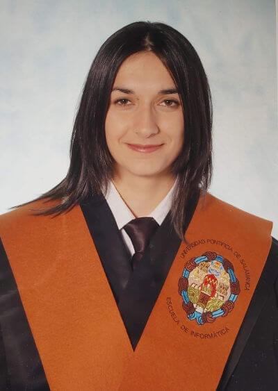 Taisa Raquel García Arévalo - Foto de graduación como Ingeniera técnica informática por la Universidad pontifica de salamanca (Madrid) en 2002