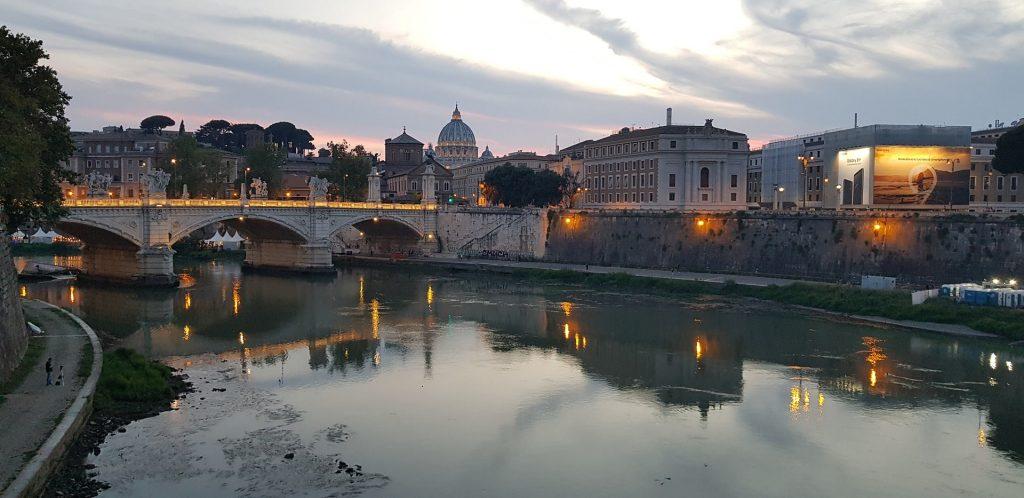 Ponte Vittorio Emanuele II -Private Rome Airport Taxi