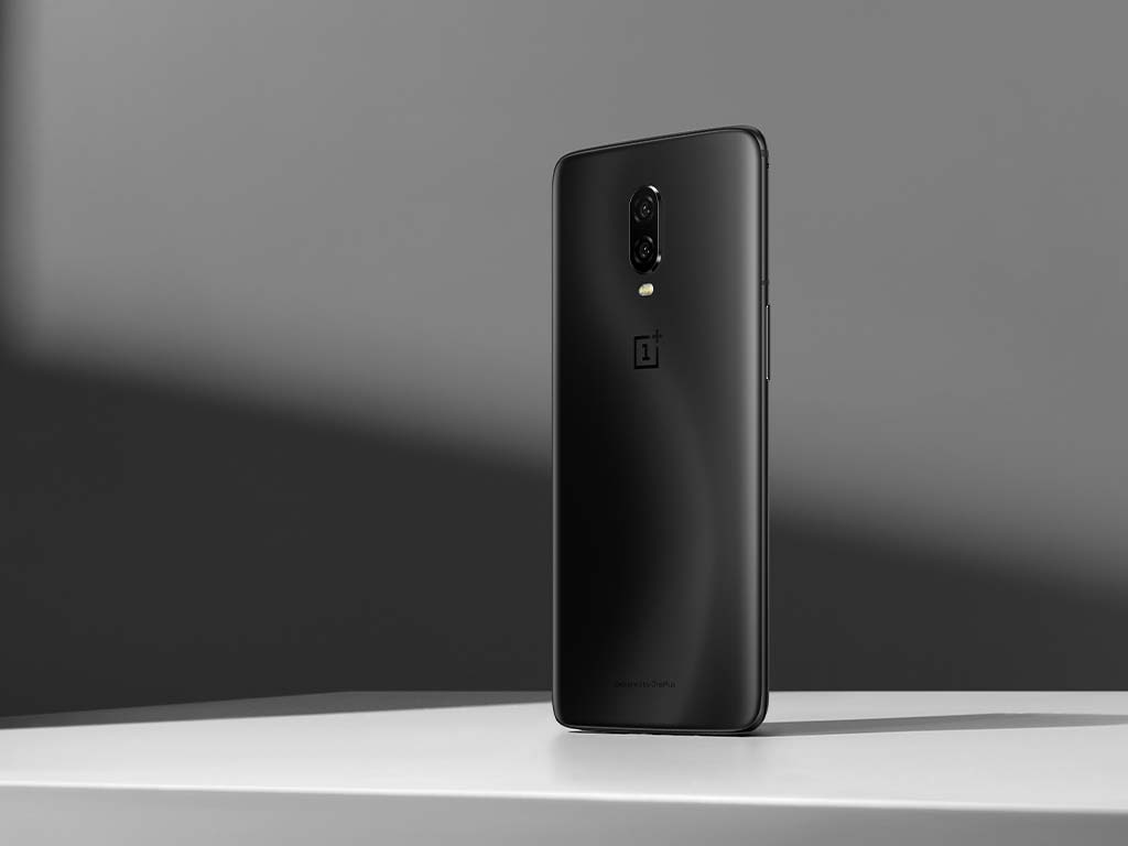 The OnePlus 6T features a smaller notch and an in-display fingerprint scanner.