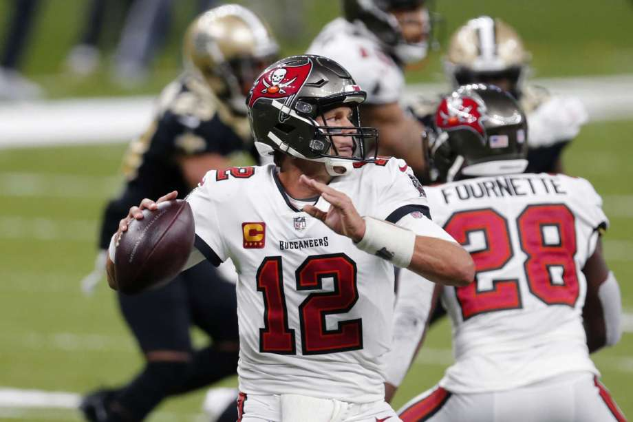 Tampa Bay Buccaneers quarterback Tom Brady (12) passes in the second half of an NFL football game against the New Orleans Saints in New Orleans, Sunday, Sept. 13, 2020. Photo: Brett Duke, AP / Copyright 2020 The Associated Press. All rights reserved.