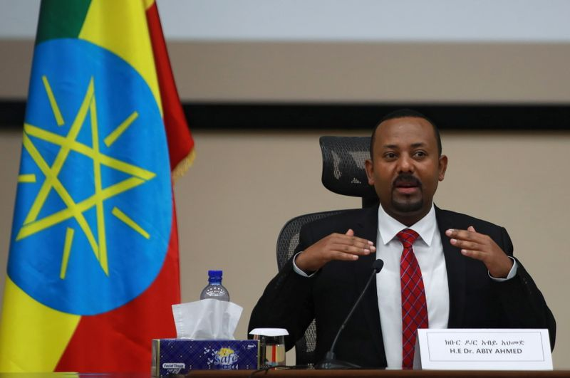 © Reuters. Ethiopia's Prime Minister Abiy Ahmed speaks during a question and answer session with lawmakers in Addis Ababa