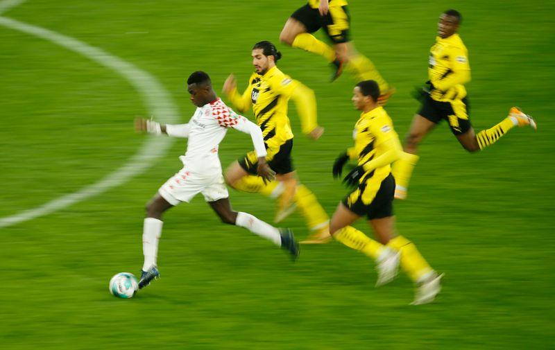 © Reuters. Bundesliga - Borussia Dortmund v 1. FSV Mainz 05