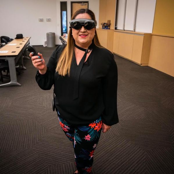 Cathy Hackl demoing the Magic Leap One