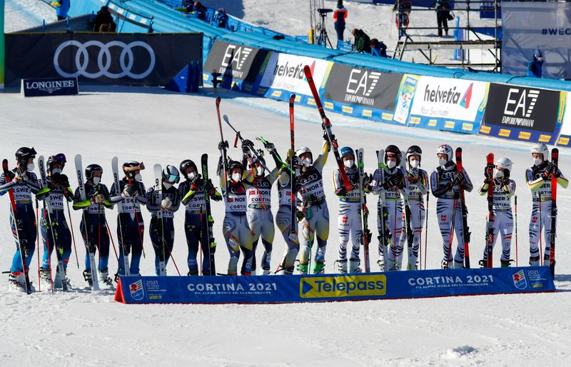 Alpine skiing: Norway beat Sweden to win mixed team parallel event