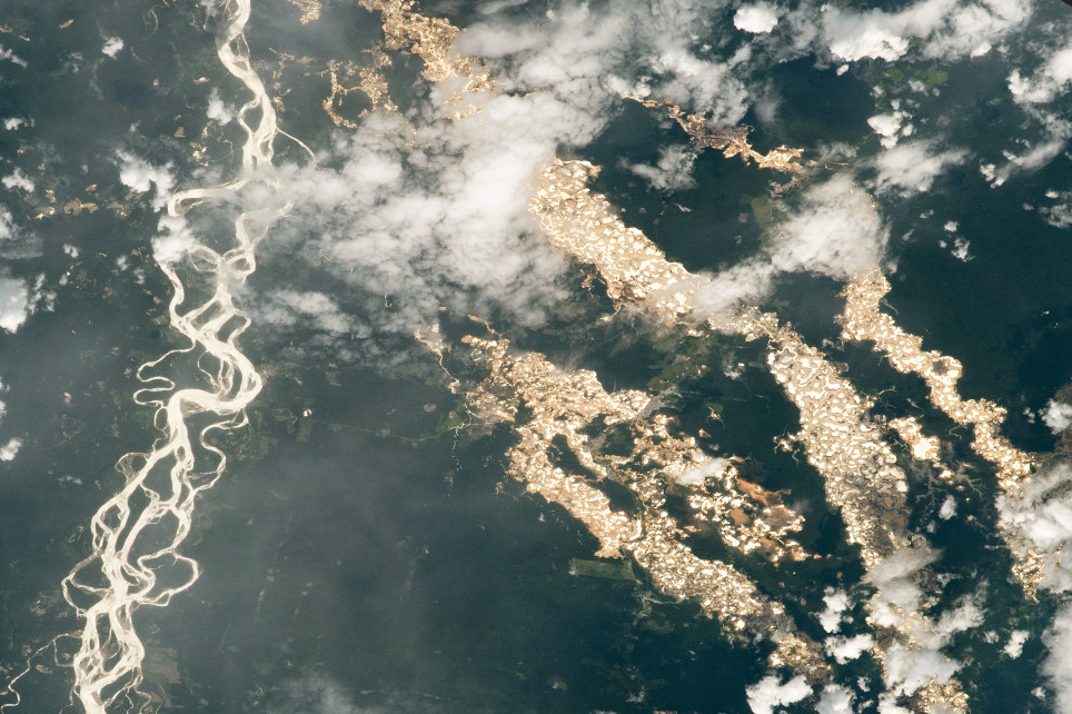 This image of the Amazon was taken from the ISS and shows the illegal gold mines in Peru (Nasa)