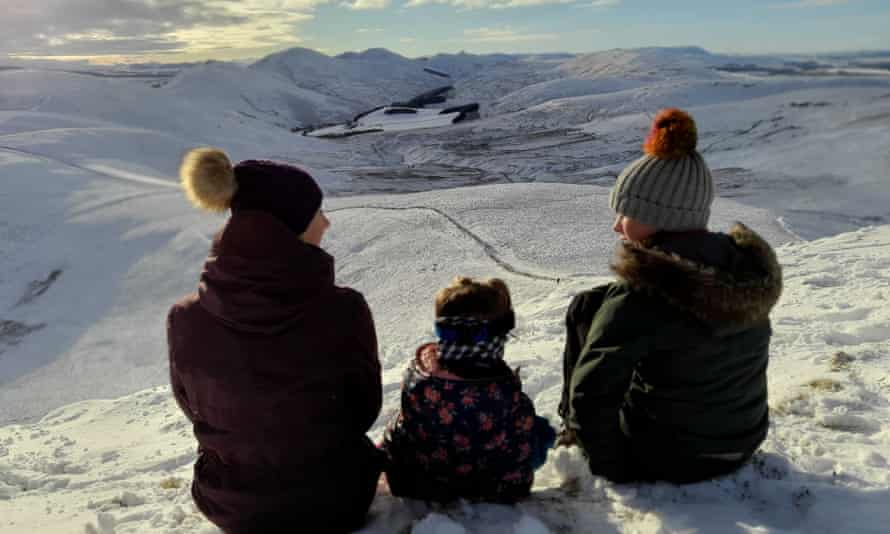 Jagoda with daughters Cornelia and Natalie in the Pentland Hills.