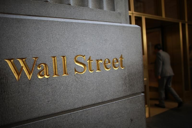 U.S. shares higher at close of trade; Dow Jones Industrial Average up 0.89%