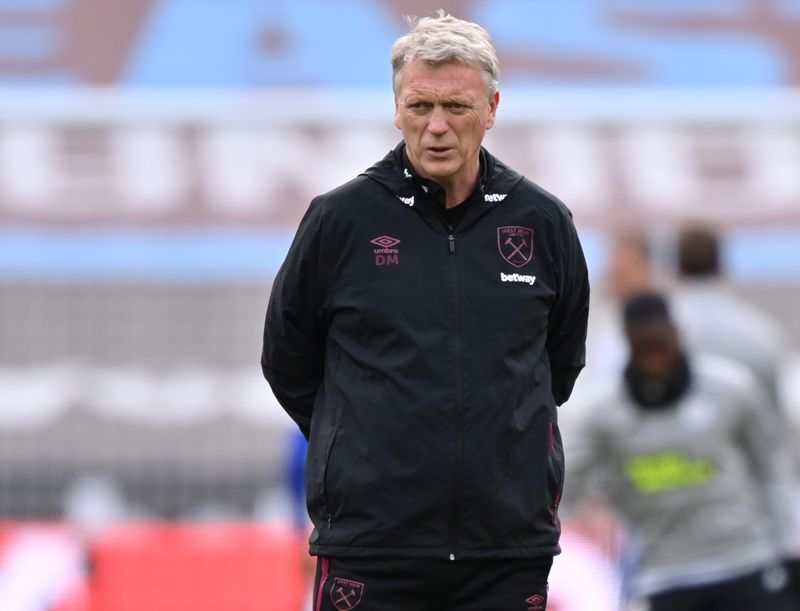 Soccer-West Ham unlikely to buy Chelsea's Abraham, says Moyes