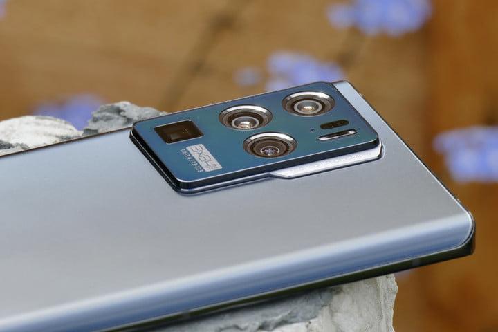ZTE Axon 30 Ultra camera module side view