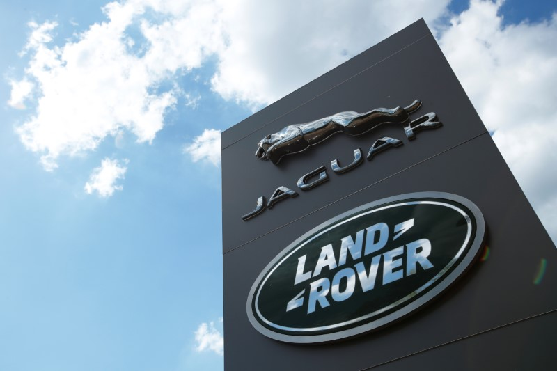 JLR to begin testing prototype hydrogen Land Rover this year