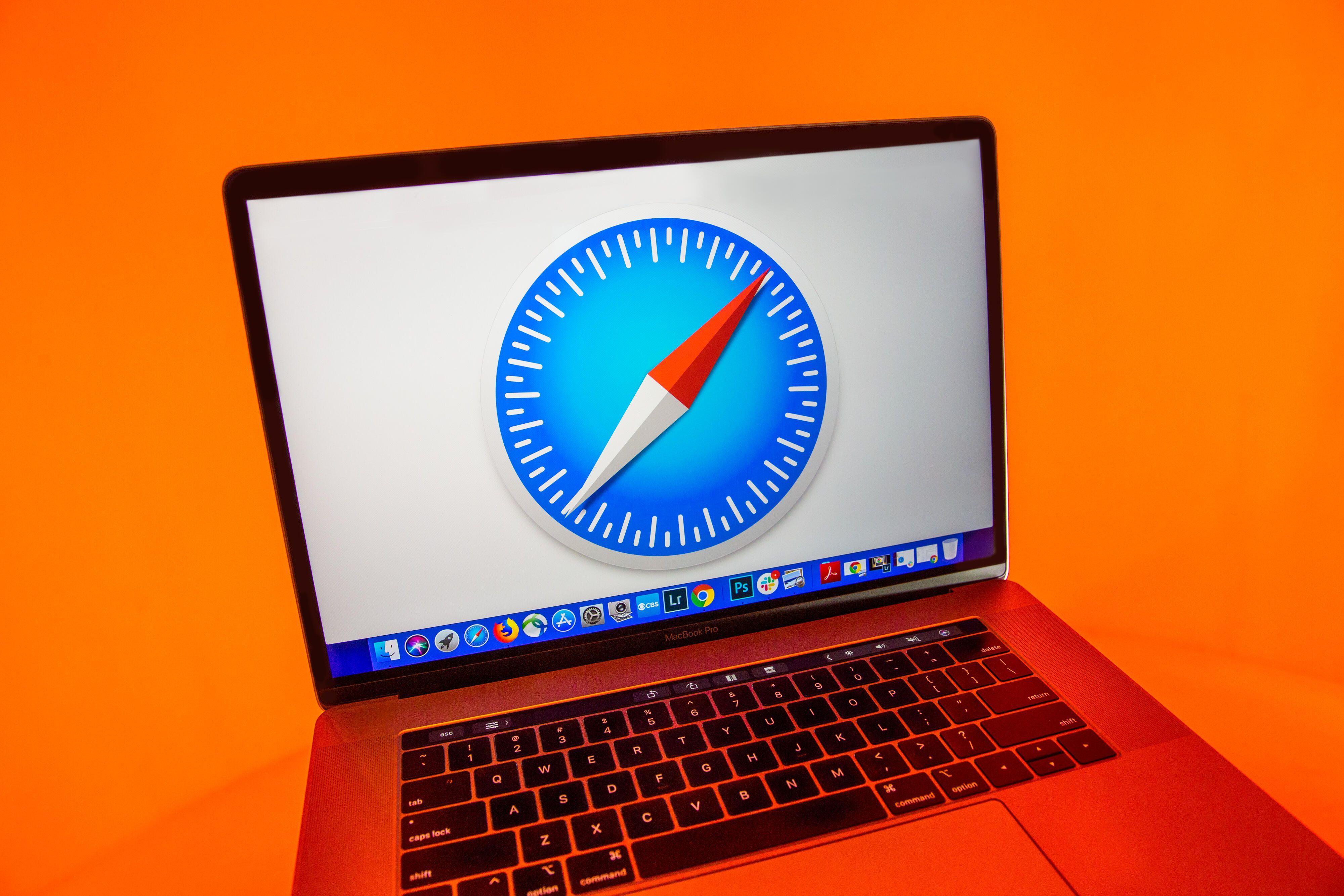 safari-logo-laptop