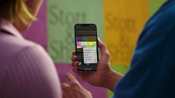 iPhone 13 camera app text.