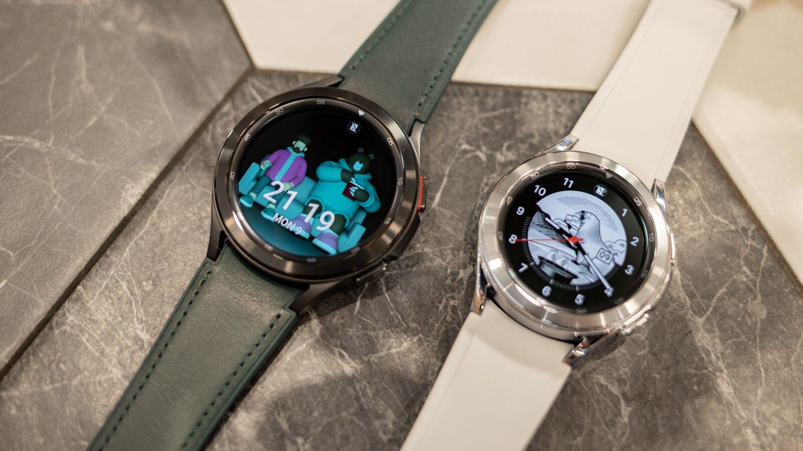 Samsung Galaxy Watch 4 Classic 46mm black, 42mm silver