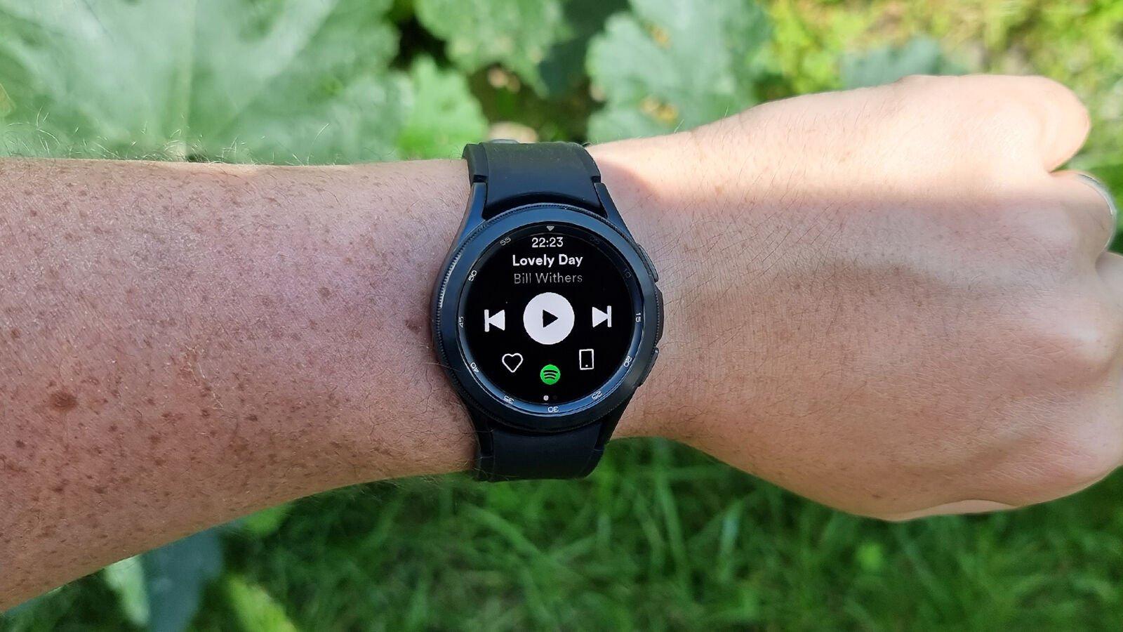 Samsung Galaxy Watch 4 Classic Spotify