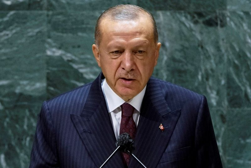 Erdogan says Turkey plans to buy more Russian defense systems