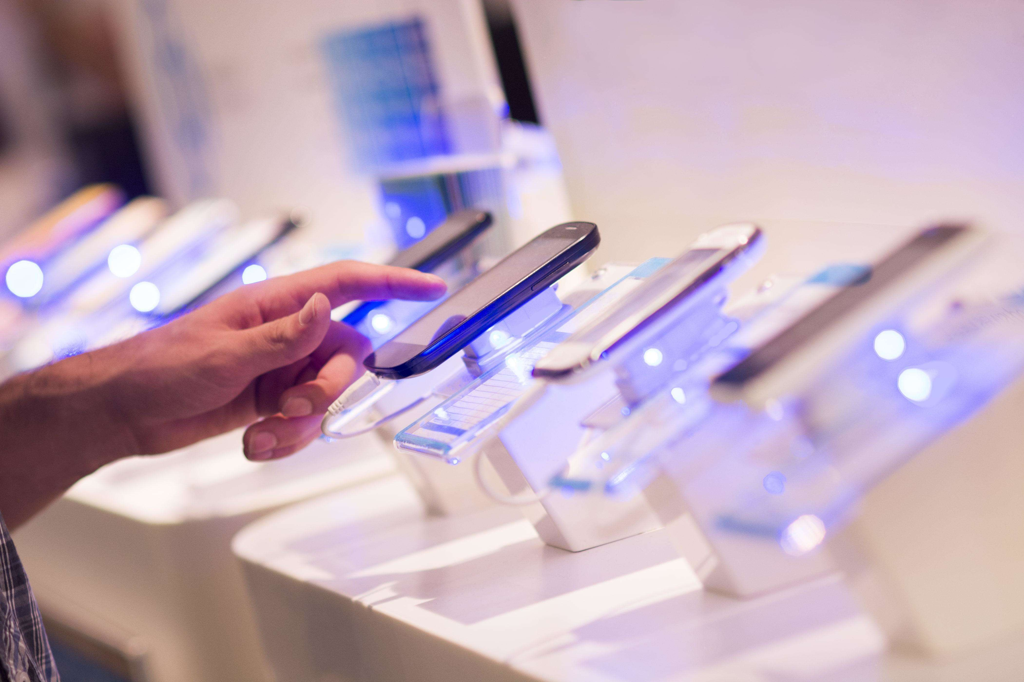 Smartphone launches likely to fall 15-20% this festive season