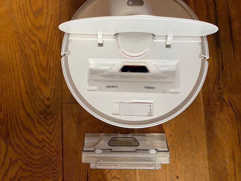 Small bin inside the S5 Max