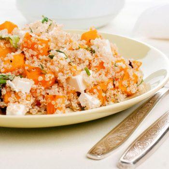 Salade de quinoa au bacon, chèvre et potimarron