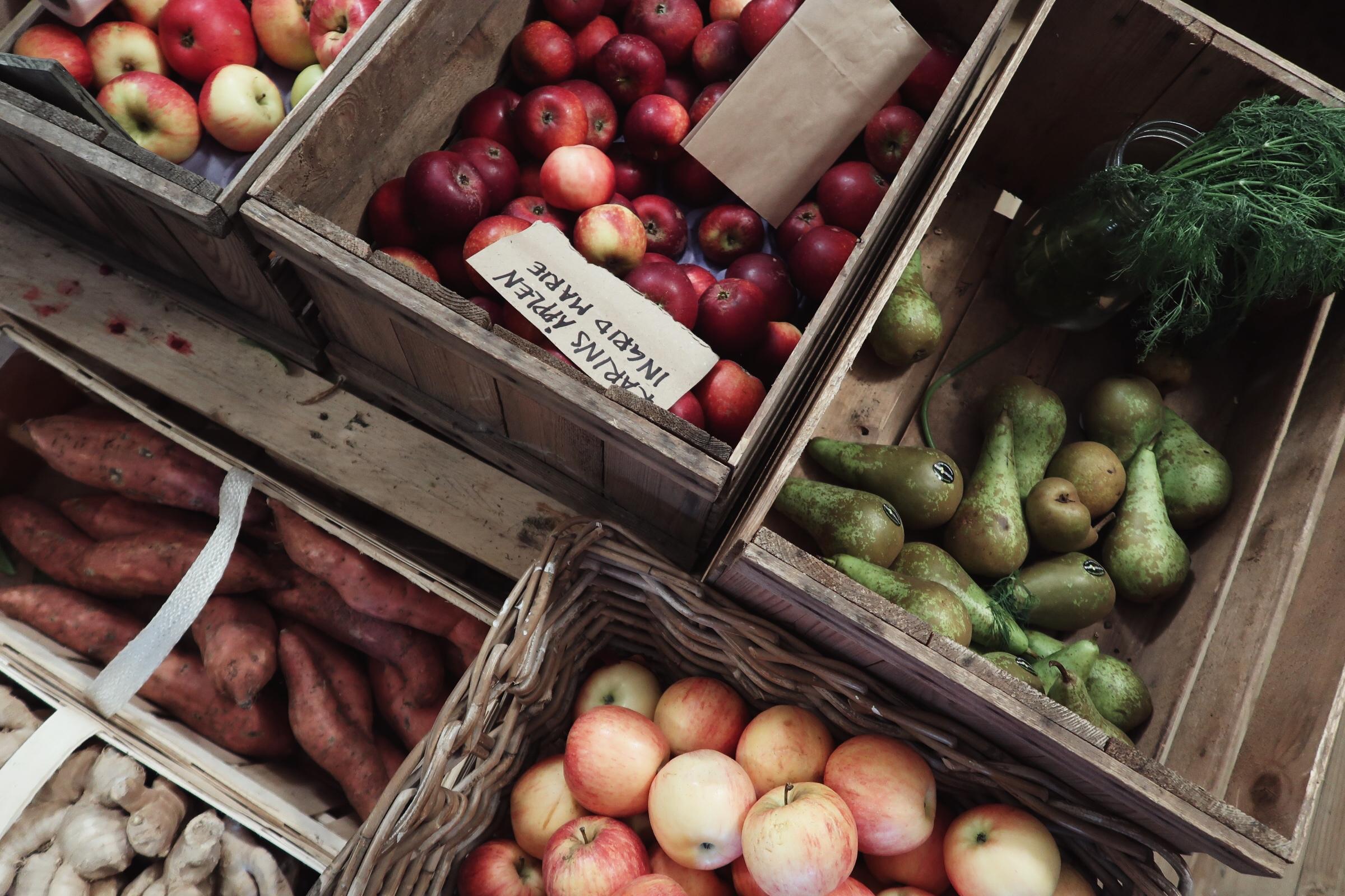 Frukt och grönt hos Torna Hällestads lanthandel
