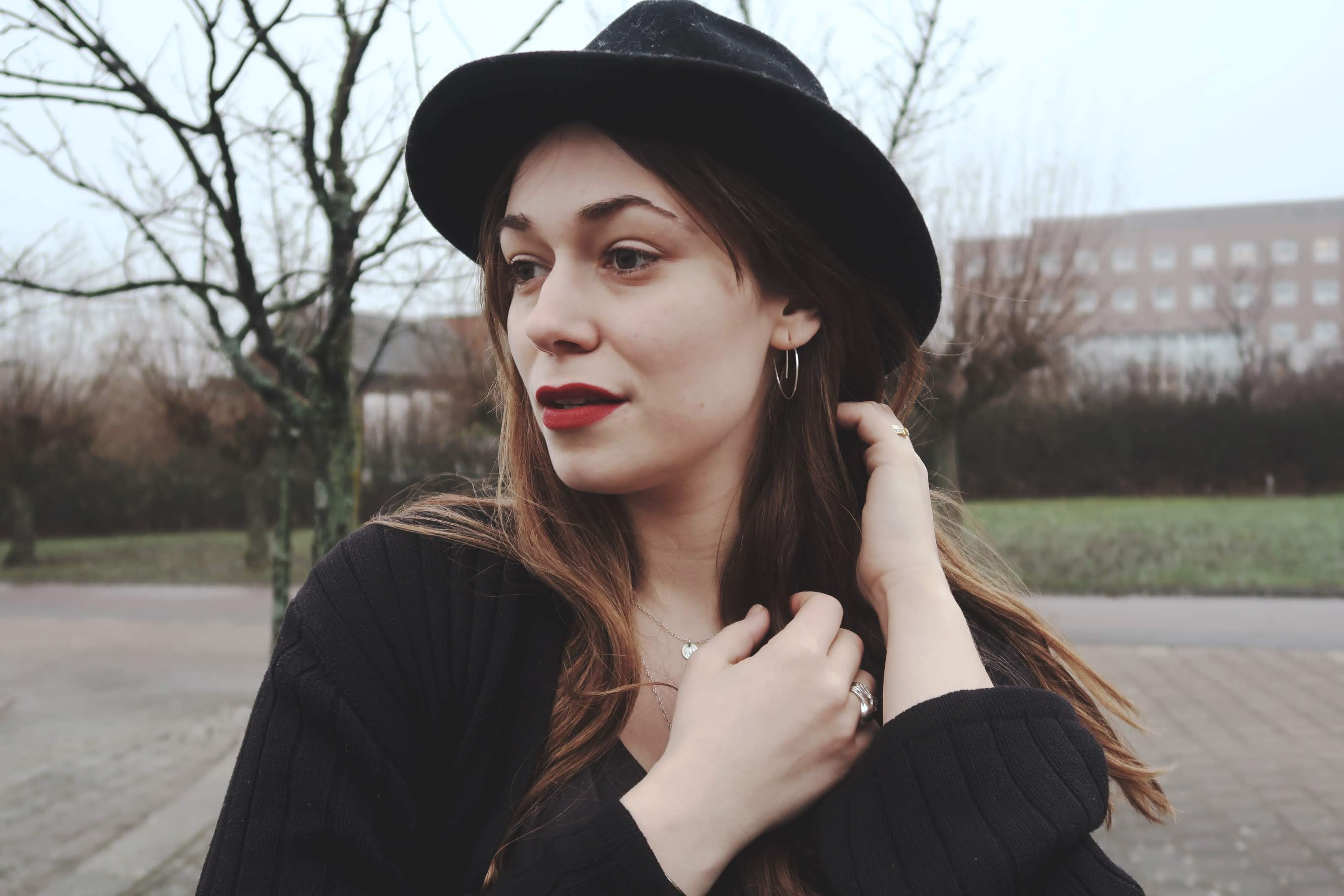 En hatt är ett perfekt sätt att piffa upp en outfit!
