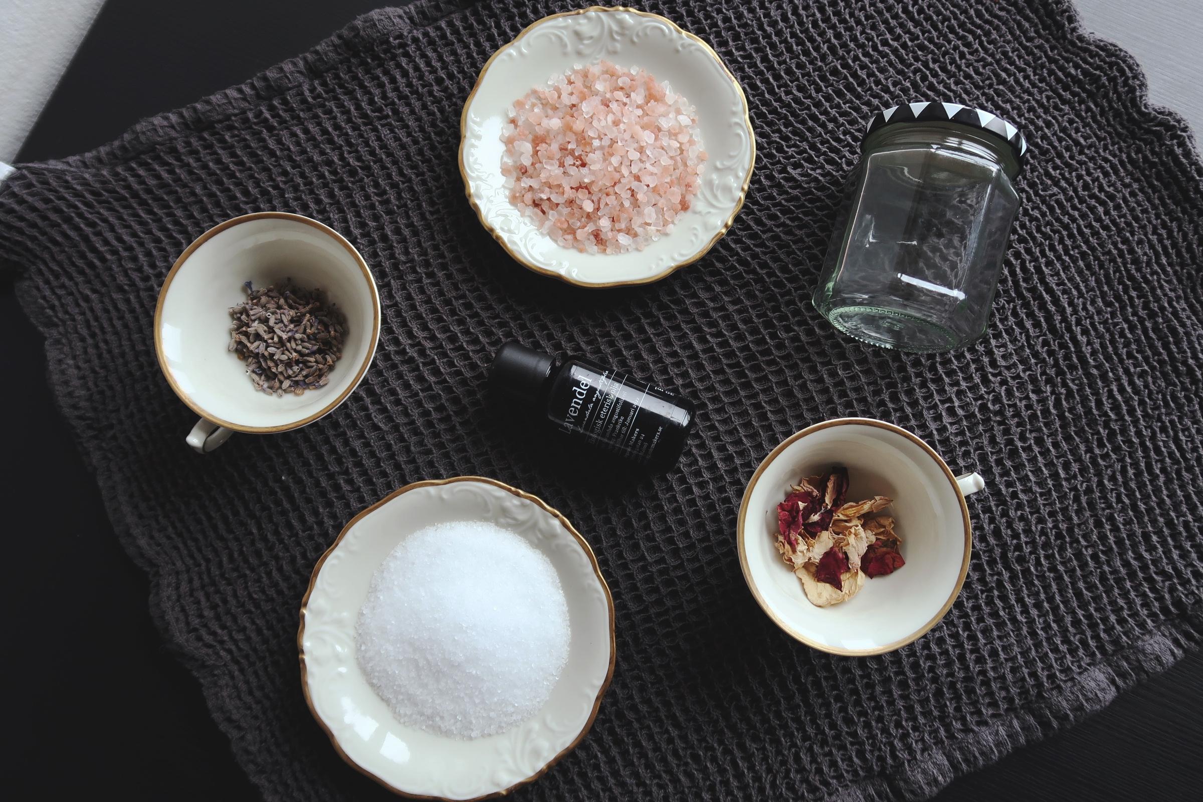Gör ditt eget naturliga badsalt