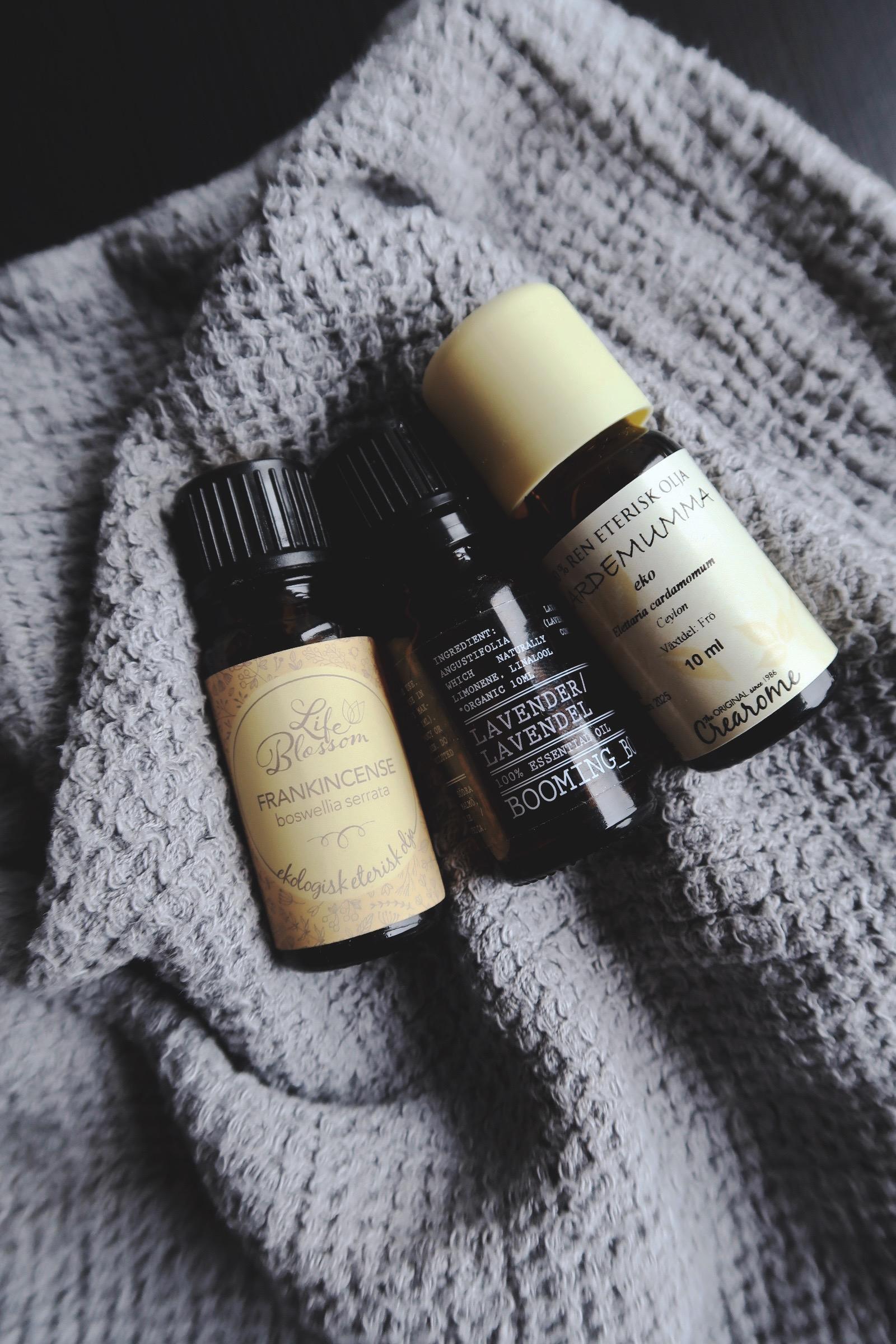 DIY massageolja med eteriska oljor - Frankincense lavendel och kardemumma