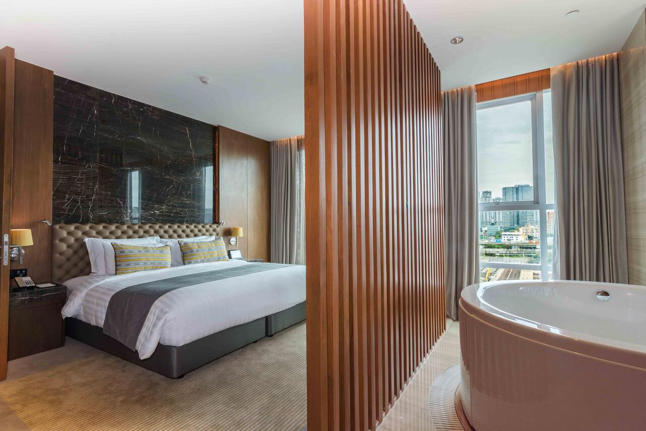 ASQ Hotel Thailand over 60000 THB